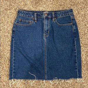 JCREW Denim skirt size 4!